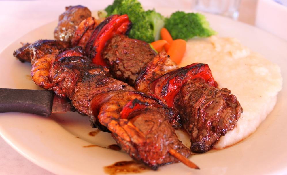 Skewers of Seasoned Fresh Shrimp and Beef