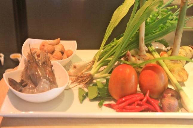 Button Mushrooms, Coriander Leaves, Galangal, Tomatoes, Shallots, Chili Peppers, Kaffir Lime Leaves