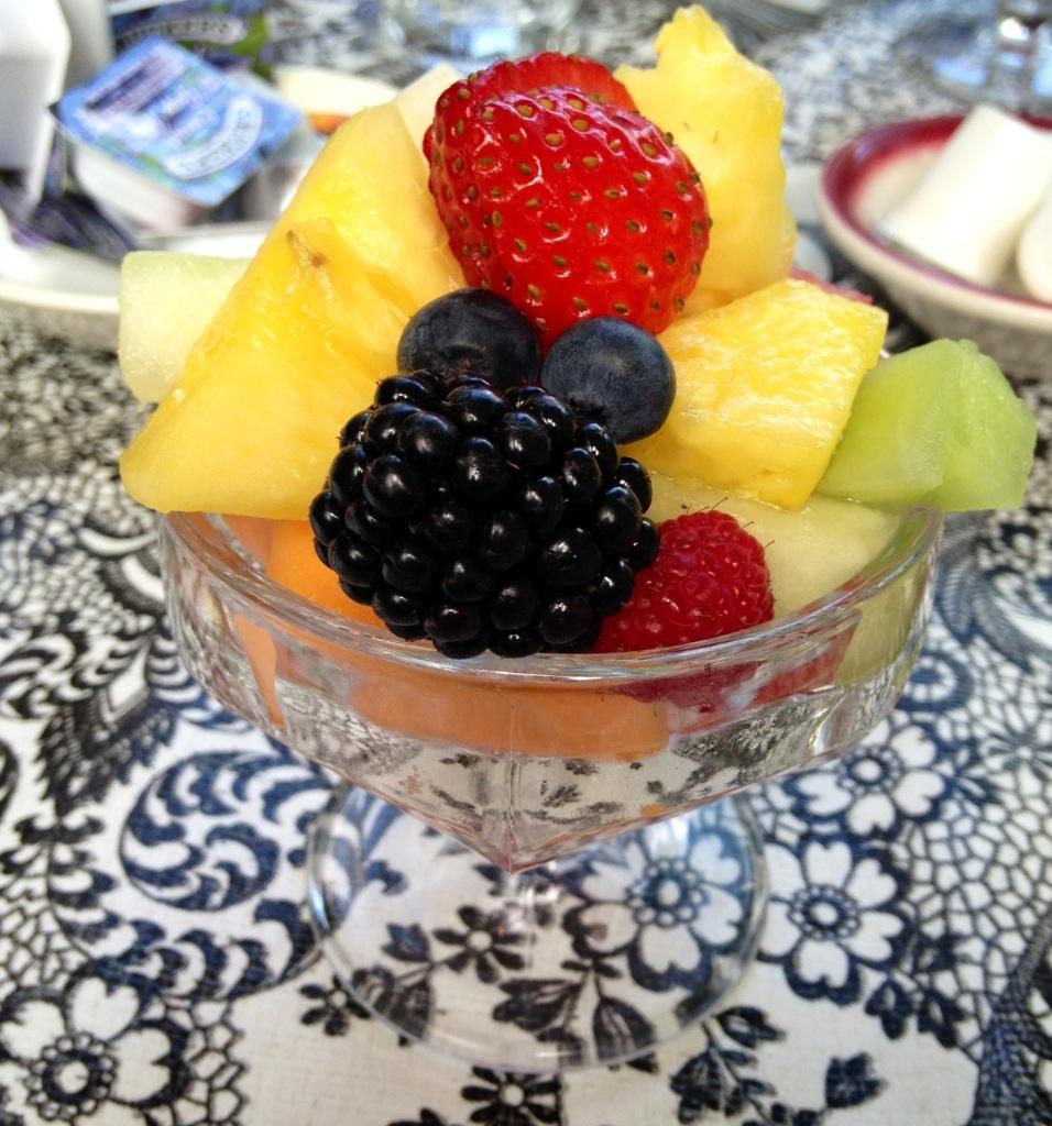 Tweet Fruit Cup