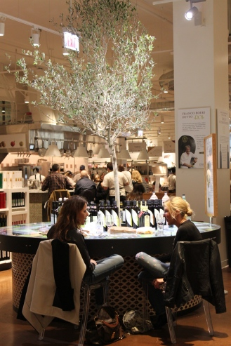 Eataly Chicago Tree
