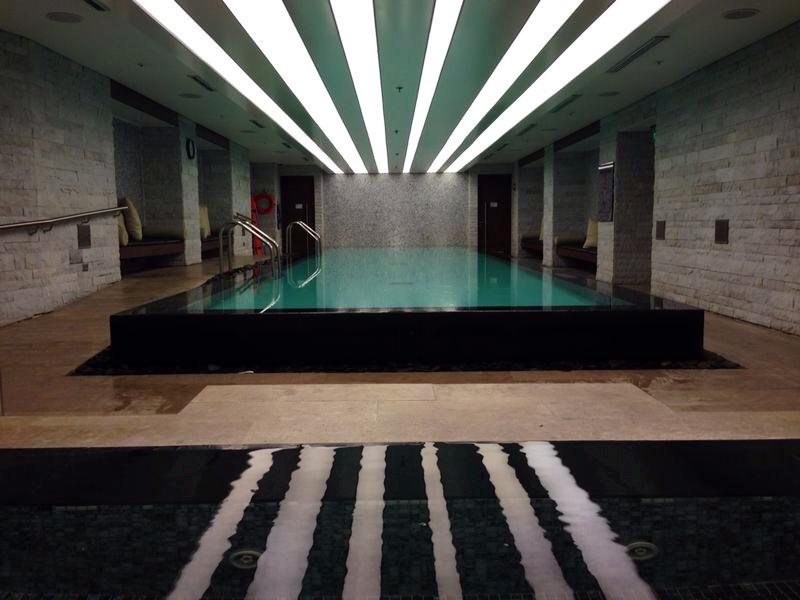 JW Pool Bogotá