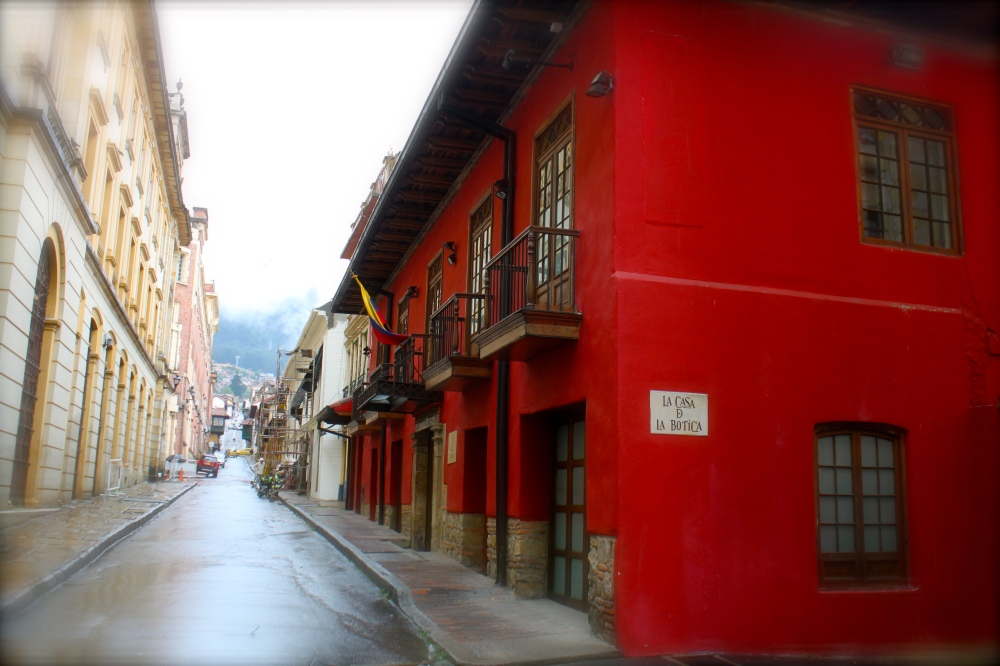 Red House Candelaria Blur