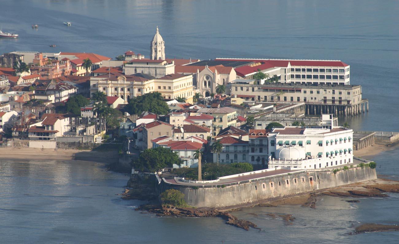 Panamanian classics at las clementinas casco viejo - Casco antiguo de lisboa ...