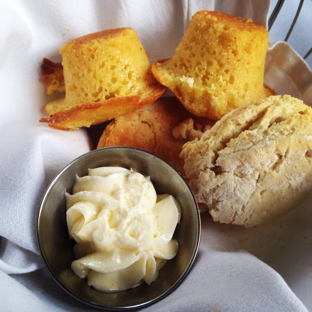 The Olde Pink House Biscuits & Cornbread