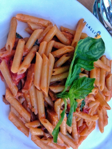 Fresh pasta with vegetables