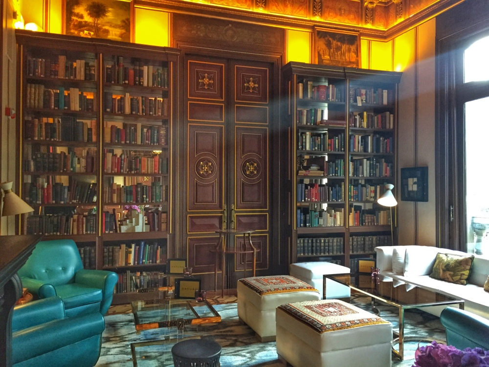 Library at the Cotton House - Barcelona