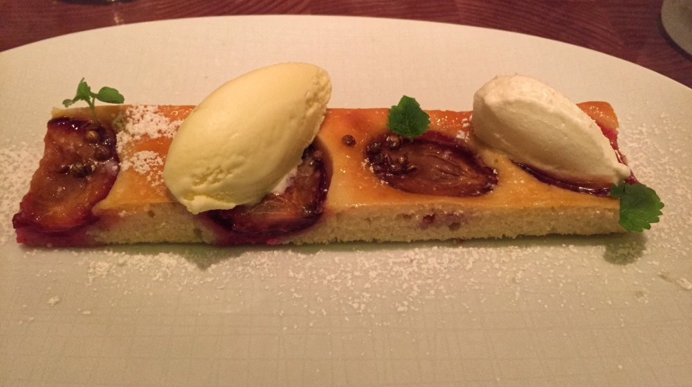 Bâtard Stone Fruit Kuchen